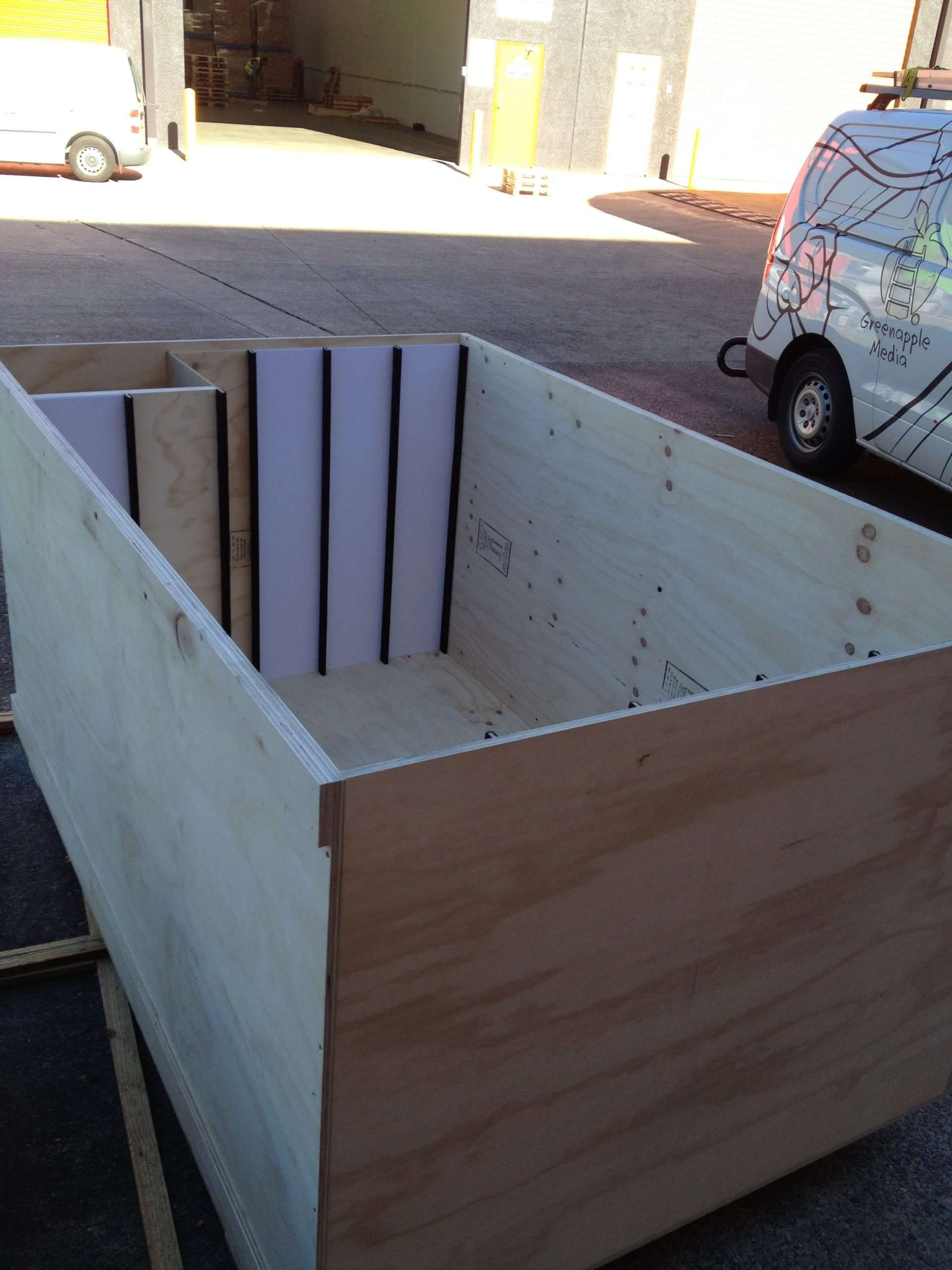 Crate with Internal dividers